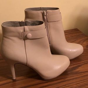 High heeled booties